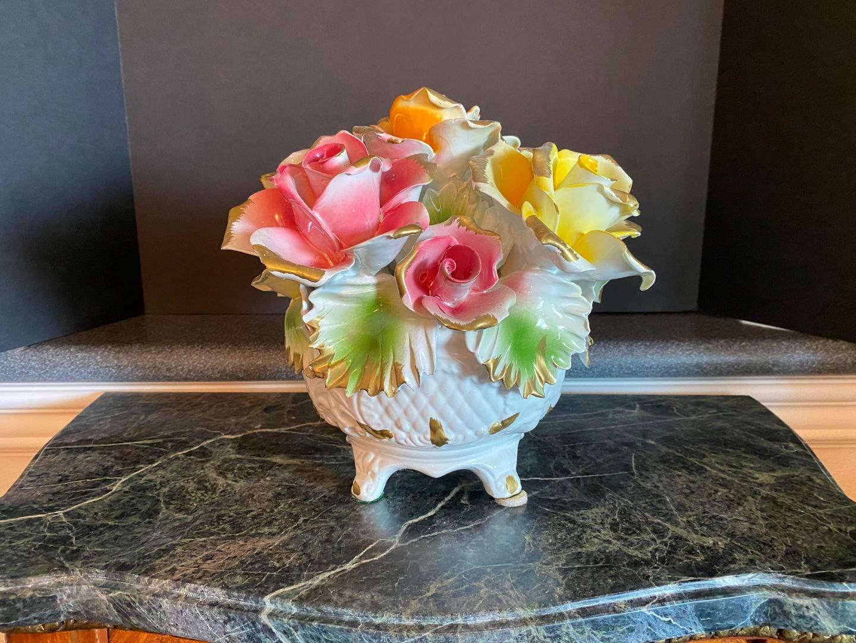 Lot # 54 - Beautiful Large Capodimonte Floral Arrangement (main image)