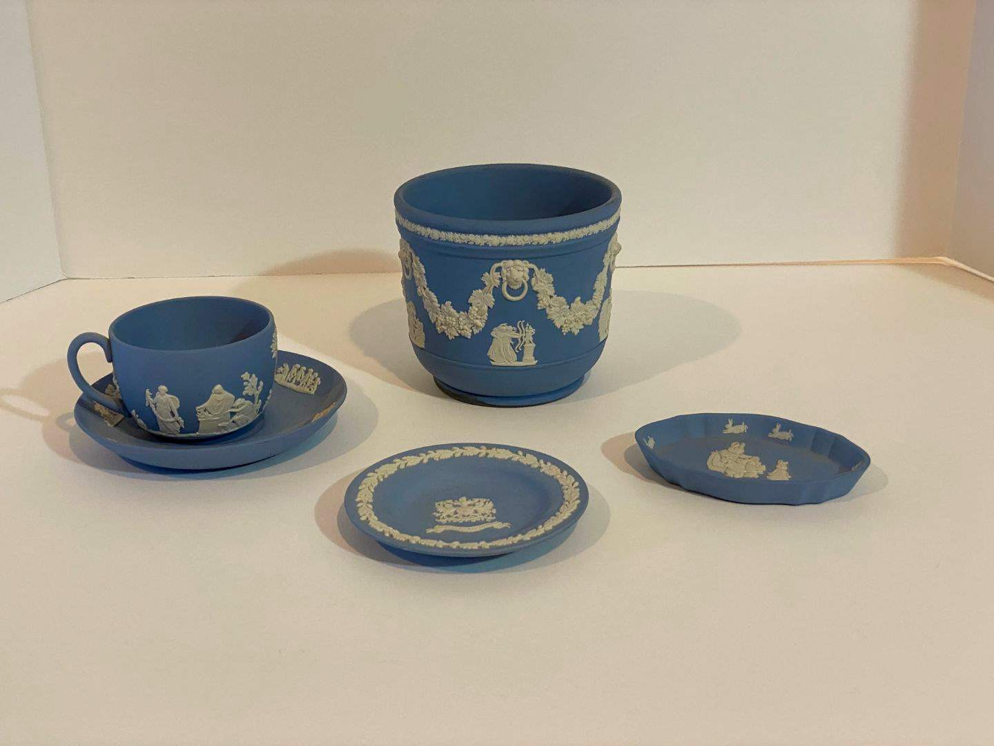 Lot # 225 - Five Pieces of Wedgewood  (main image)