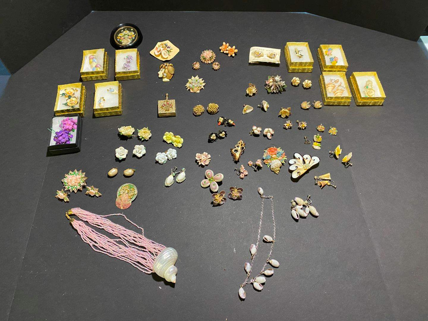 Lot # 377 - Very Beautiful Handmade Shell Necklaces, Earrings & Pins (main image)