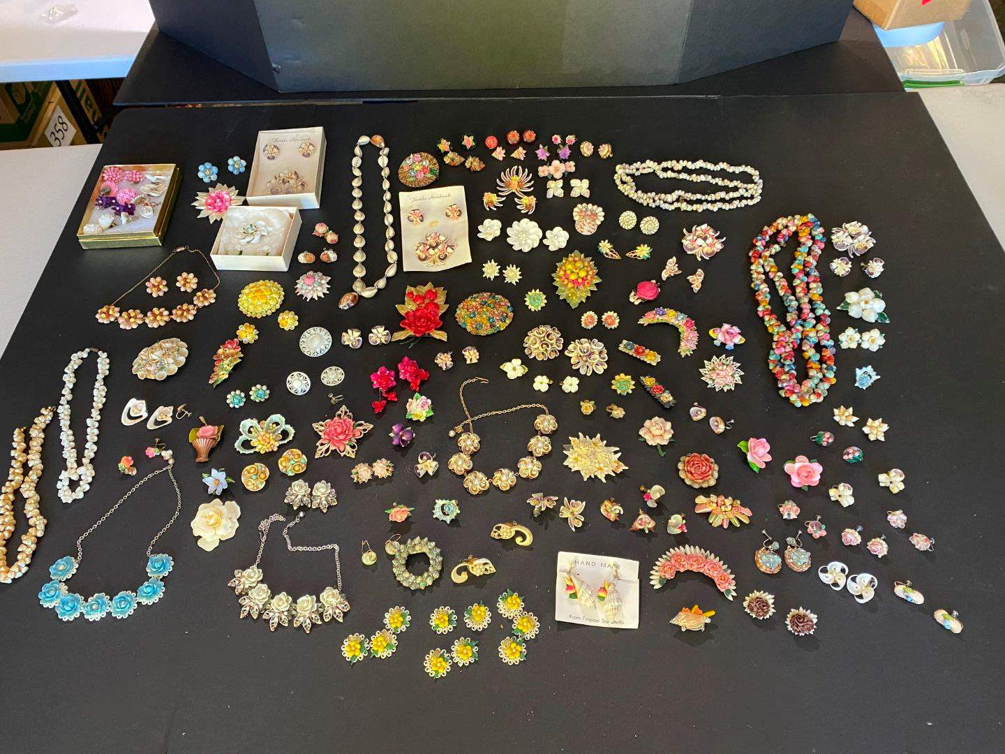 Lot # 402 - Handmade Shell Necklaces, Pins & Clip-on Earrings (main image)