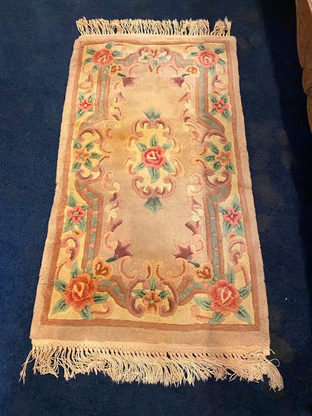 Lot # 114 - Wool Floral Area Rug (main image)