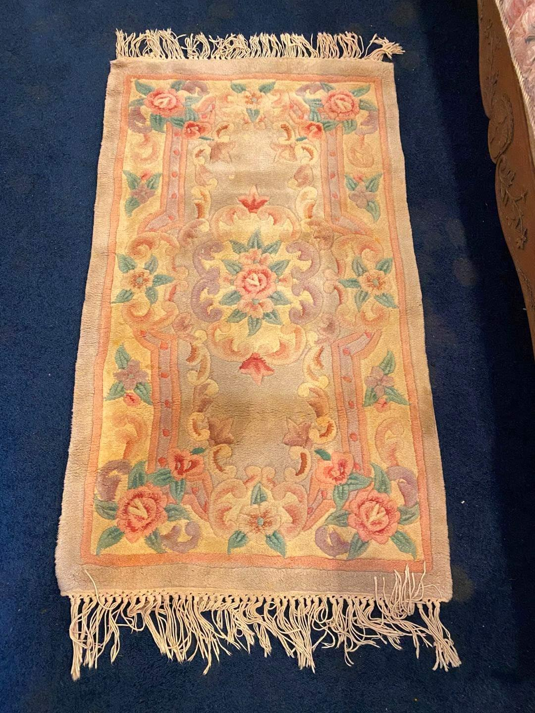 Lot # 116 - Wool Floral Area Rug  (main image)