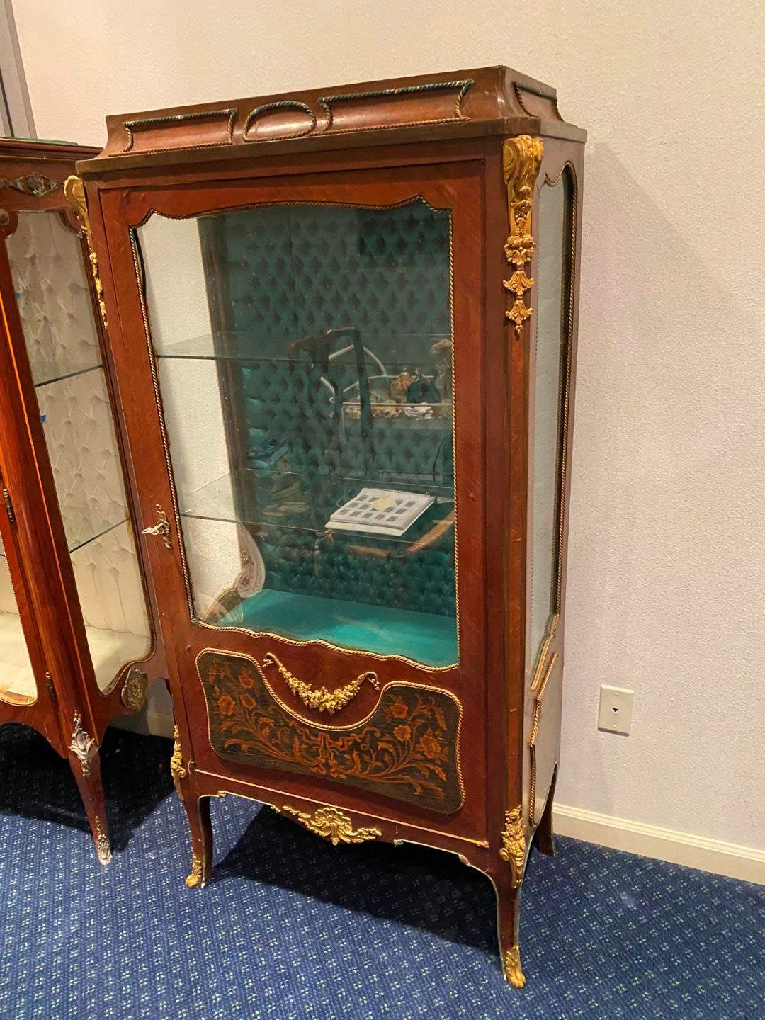 Lot # 124 - Elegant Antique French Louis XV Style Curio Cabinet w/Tuft Backing, Glass Shelves & Brass Accents  (main image)