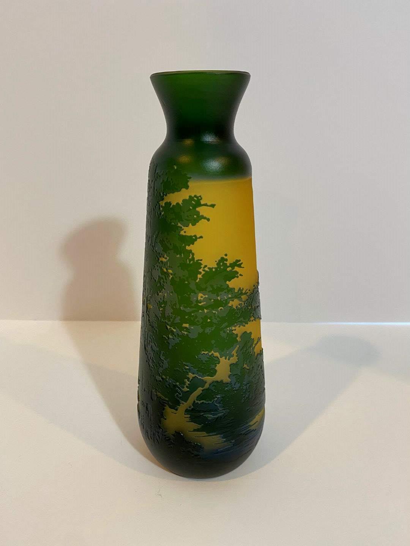 "Lot # 201 - Beautiful ""Galle"" Cameo Vase (main image)"