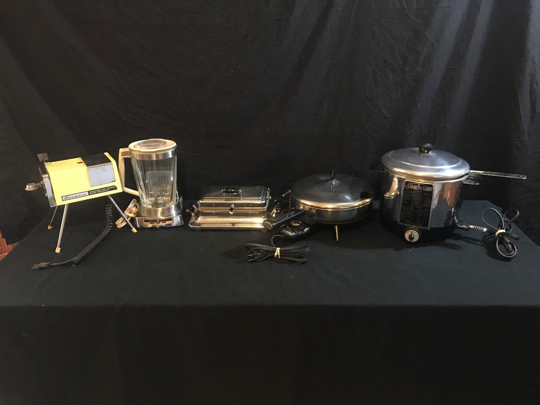 Lot # 58 - Kenmore Automatic Can Opener & Knife Sharpener, GE Electric Blender, Sandwich Press, Electric Frying Pan & Deep Fryer (main image)