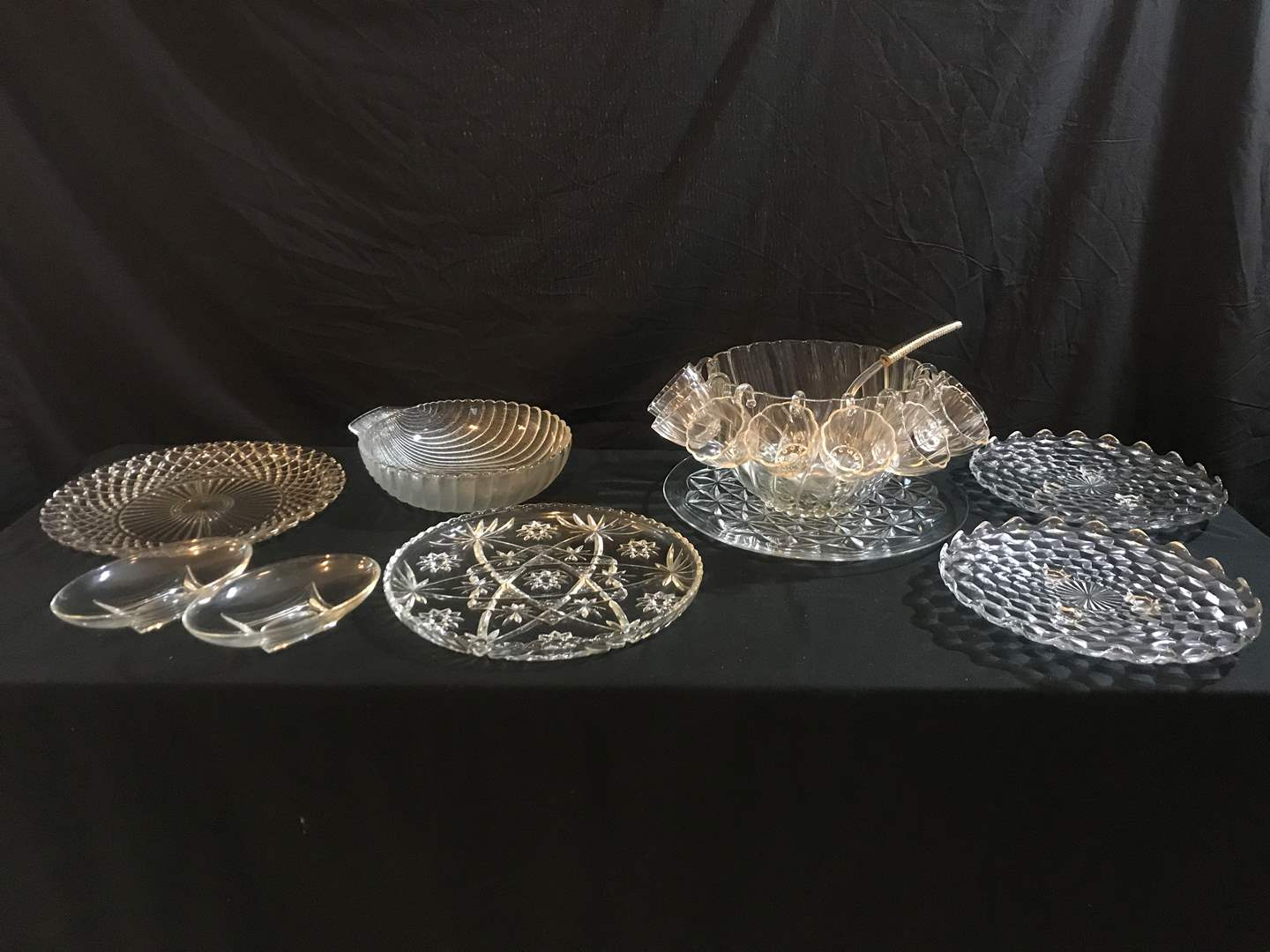 Lot # 65 - Beautiful Large Glass Serving Dishes, Glass Punch Bowl w/8 Glass Cups, Glass Serving Bowl & More.. (main image)