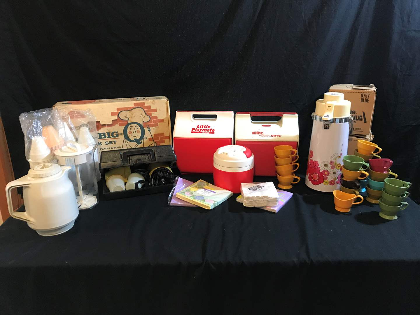 Lot # 74 - Dixie Grip-A-Mug Cup Holders, Coffee/Drink Dispensers, Empire Coffee Maker, Lunch Boxes & More.. (main image)