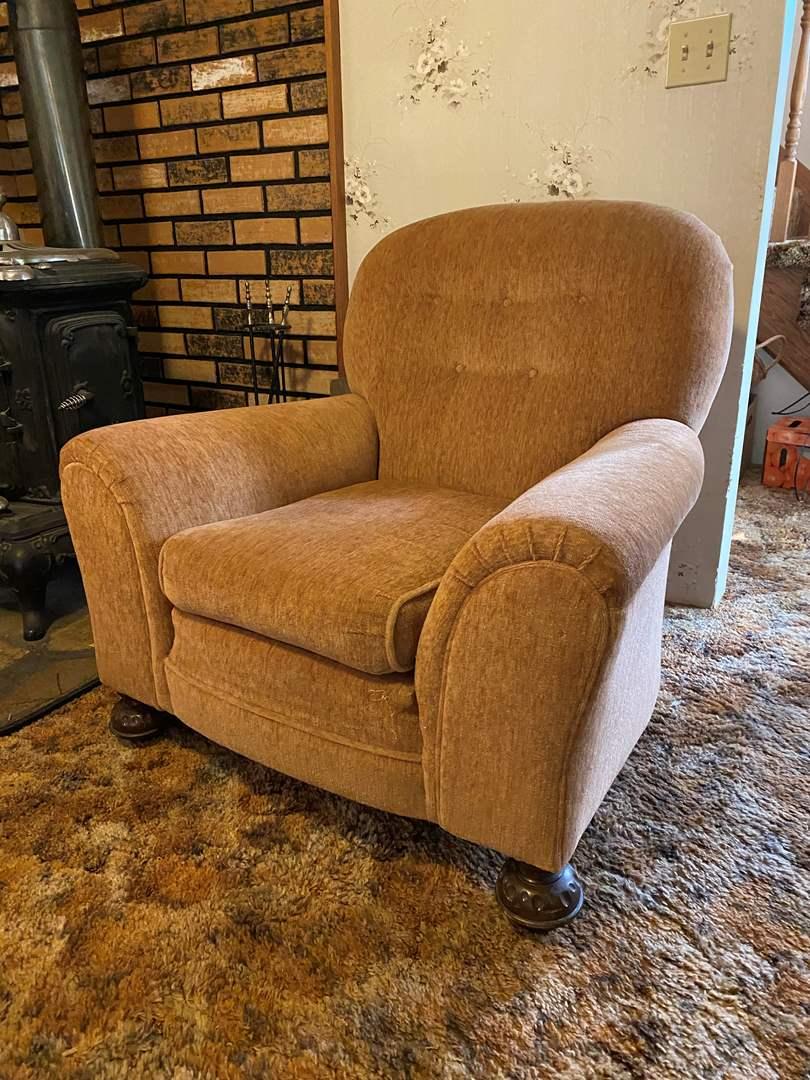Lot # 113 - Vintage/Antique Arm Chair (main image)