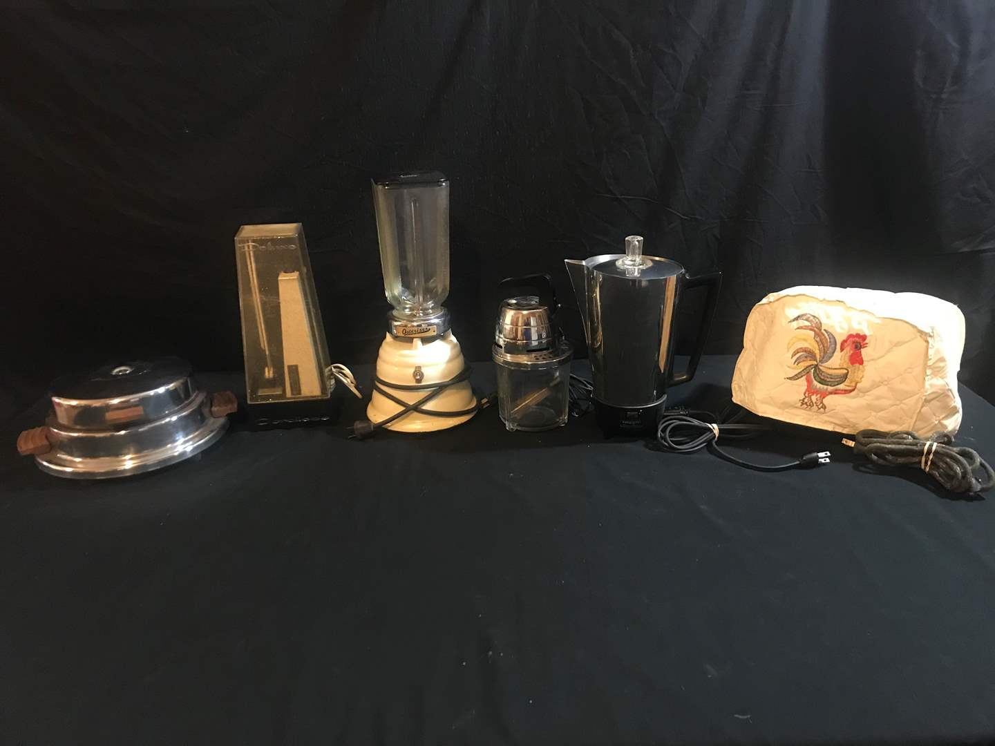 Lot # 80 - NDURA Electric Knife, Oster Blender, DORBY Electric Mixer, Presto Coffee Maker, Sunbeam Toaster, Vintage Waffle Maker (main image)