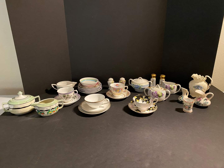 Lot # 121 - Misc. Teacups, Saucers & More.. (main image)