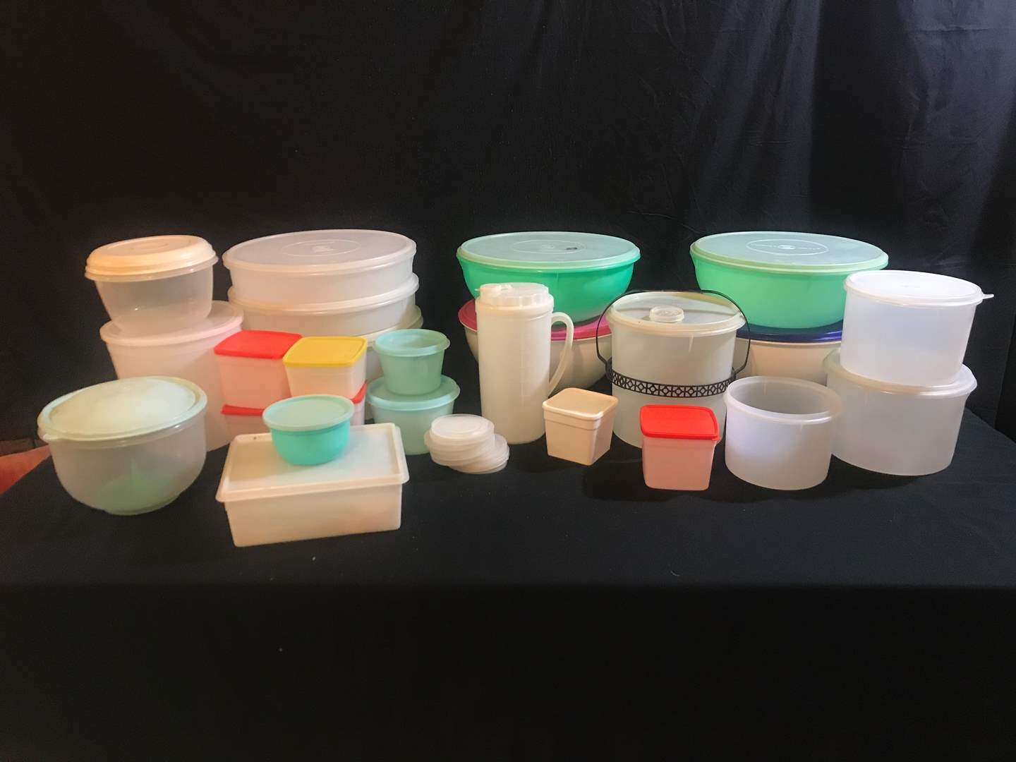 Lot # 81 - Large Selection of Tupperware Containers & Other Misc. Plastics (main image)