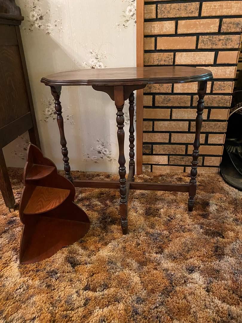 Lot # 139 - Vintage Table w/Corner Shelf  (main image)