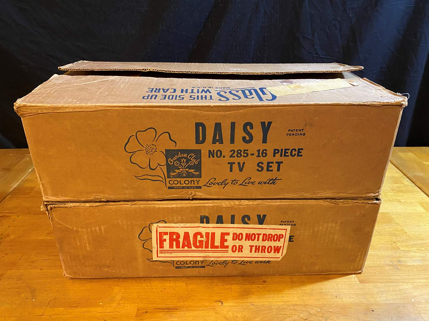 Lot # 177 - 2 Cases of Daisy Garden Club Glassware  (main image)