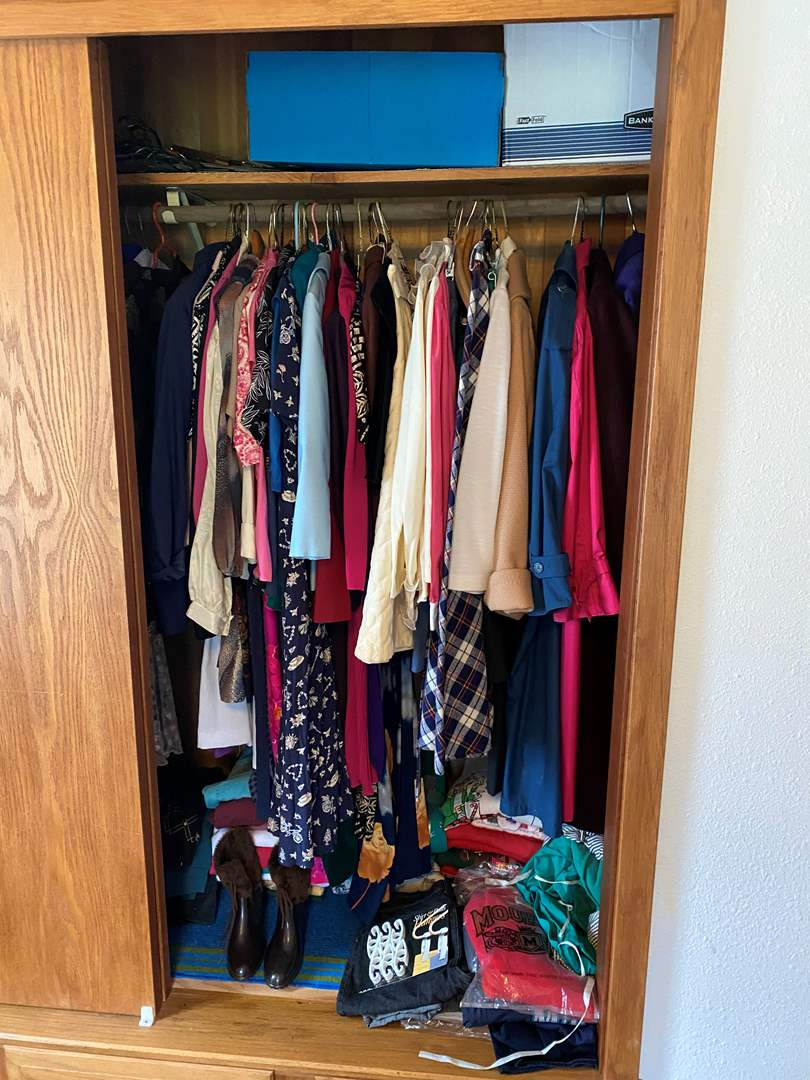 Lot # 205 - Selection of Vintage Clothes of Various Sizes - See Pictures for Sizes & Brands (Mostly 8-12) (main image)