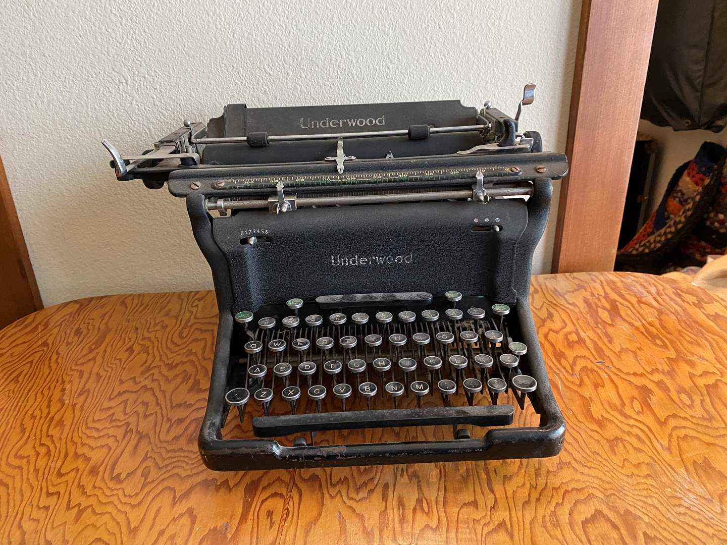 Lot # 236 - Vintage Underwood Type Writer - Works (main image)