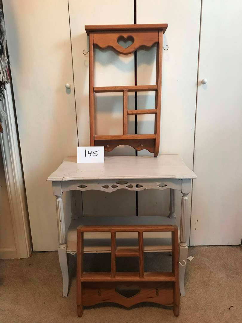 Lot # 145 - Small cute vintage table with 2 hanging shelves (main image)