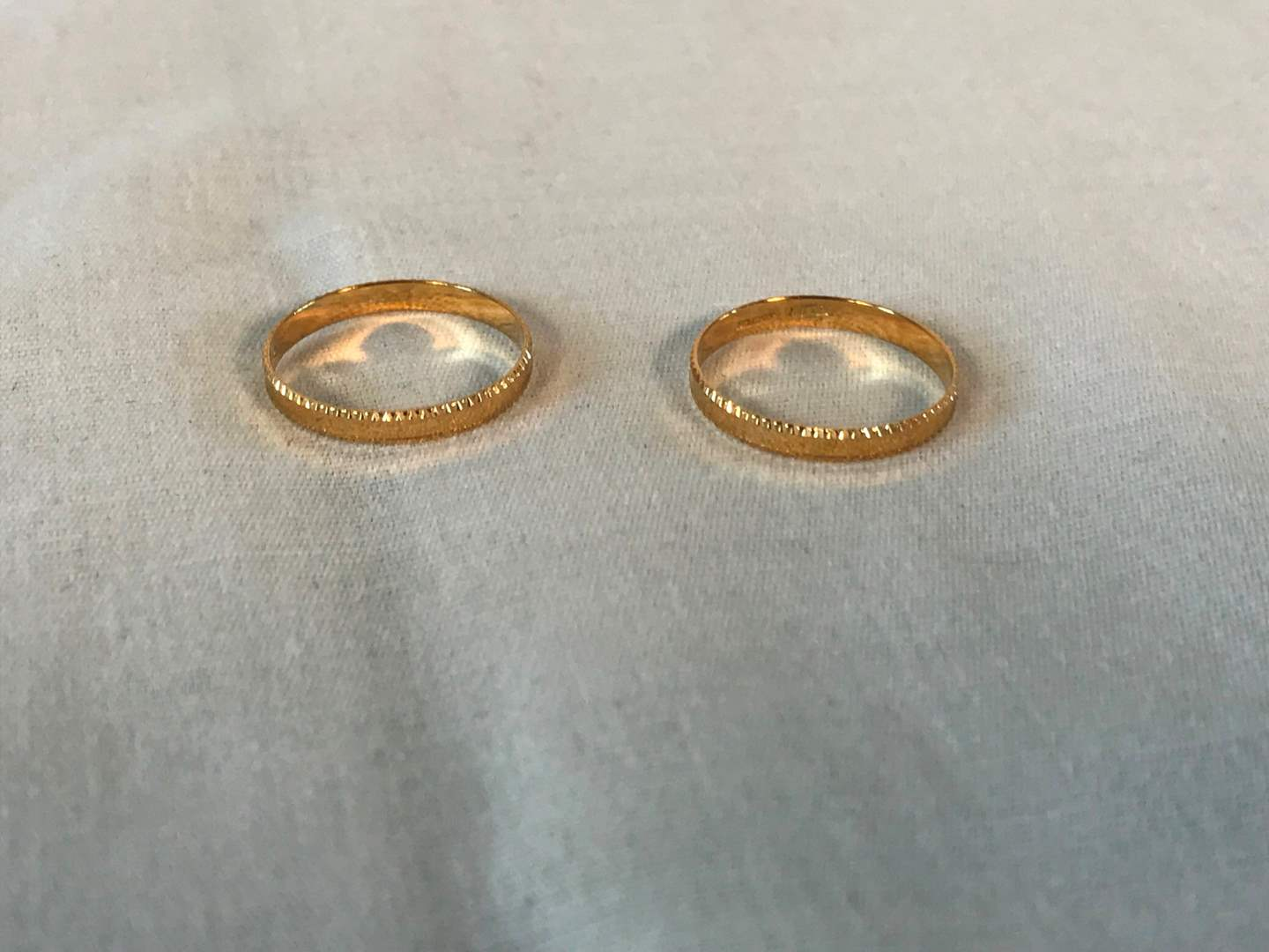 Lot # 238 - 2 18k Gold Rings - 2.30 grams (Tested). (main image)