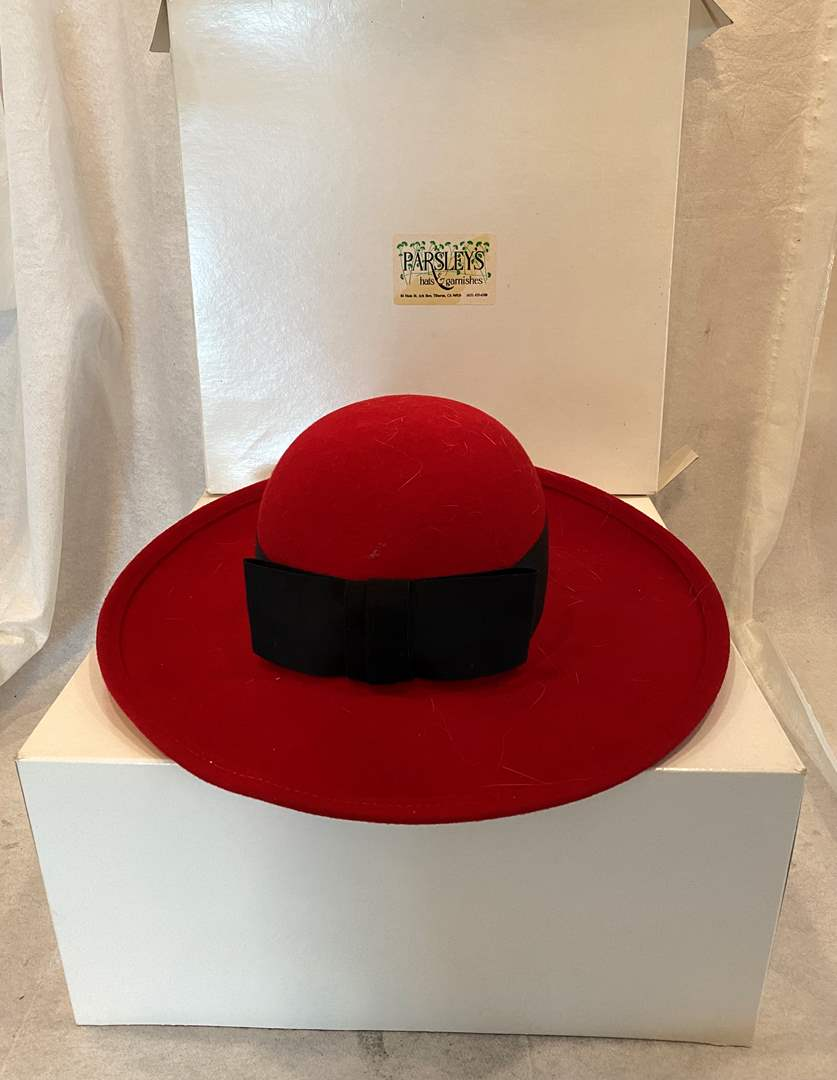 Lot # 116 Madcaps Red Hat (main image)