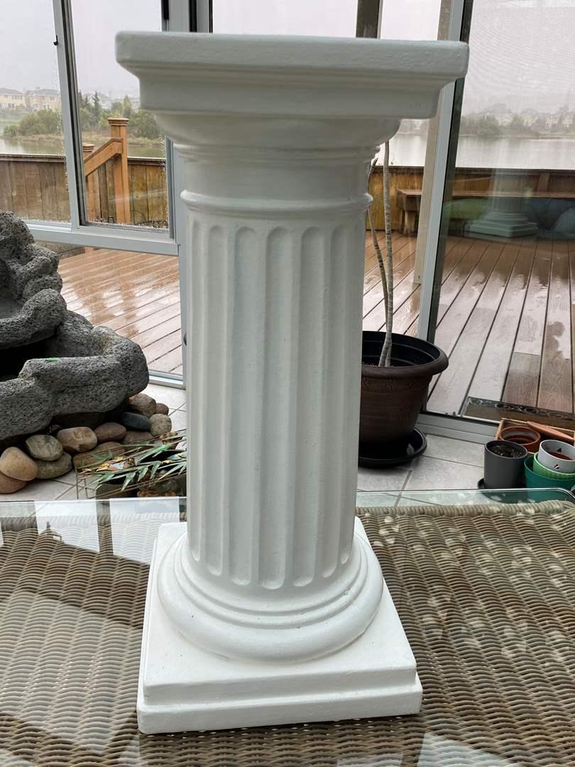 Lot # 214 Plastic Column (main image)