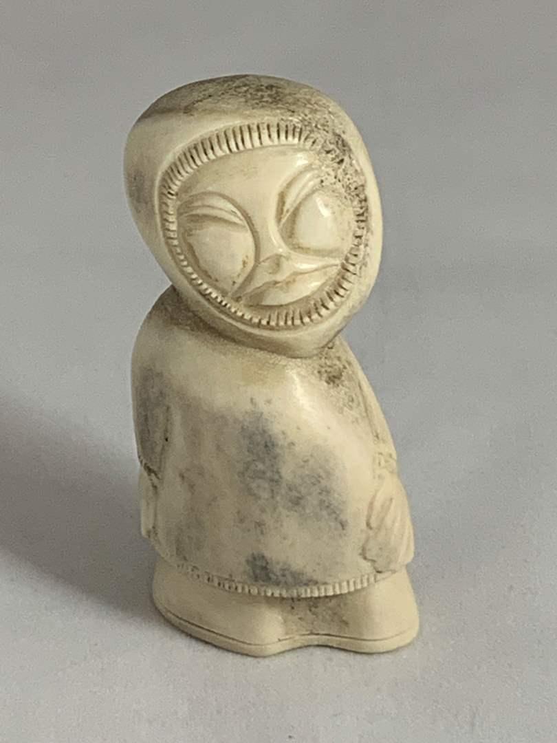 Lot # 119 Figurine (main image)
