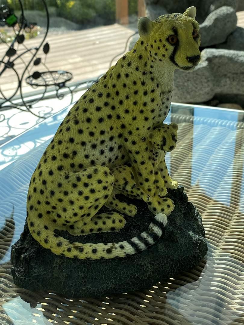 Lot # 251 Living Stone Cheetah Figurine (main image)