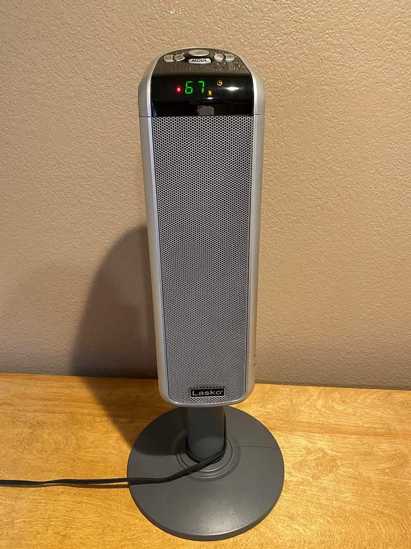 Lot # 1 Lasko Movable Air Heater Model 5397 - Works (main image)