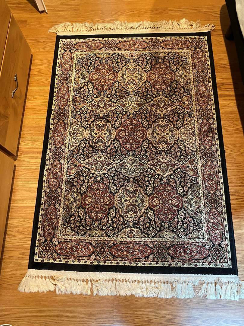 Lot # 165 Decorative Rug (main image)
