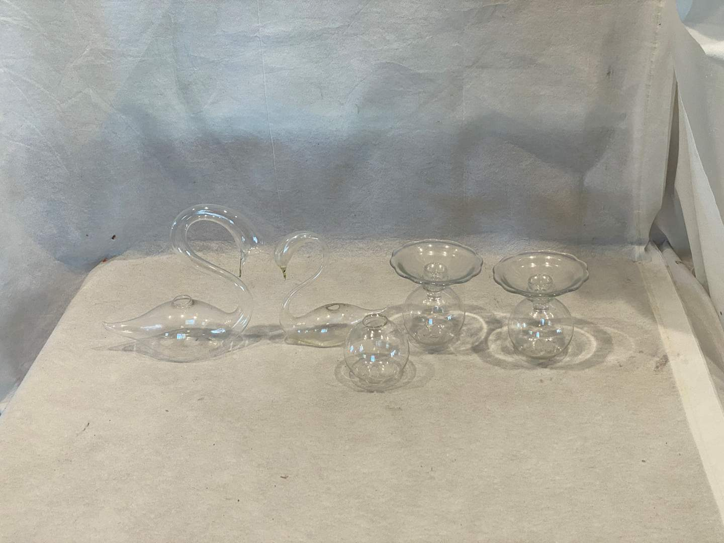 Lot # 114 Lot of Glass Swans and Containers (main image)