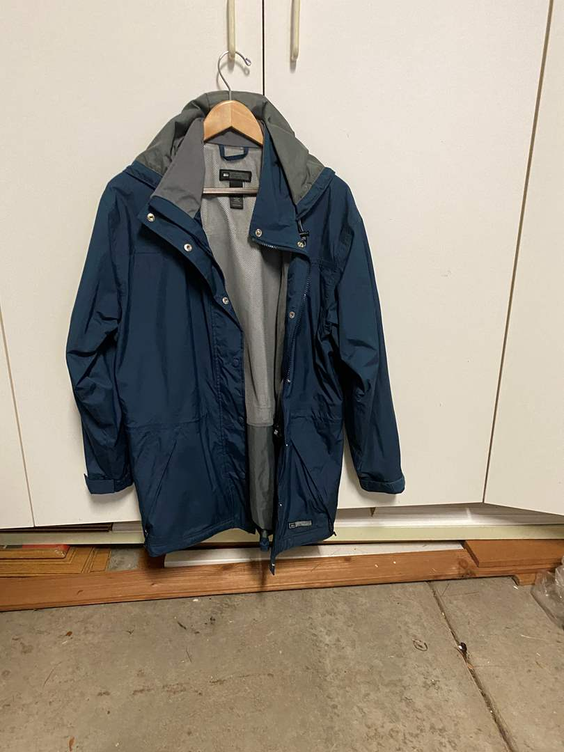 Lot # 186 REI Women's Rain Jacket (main image)