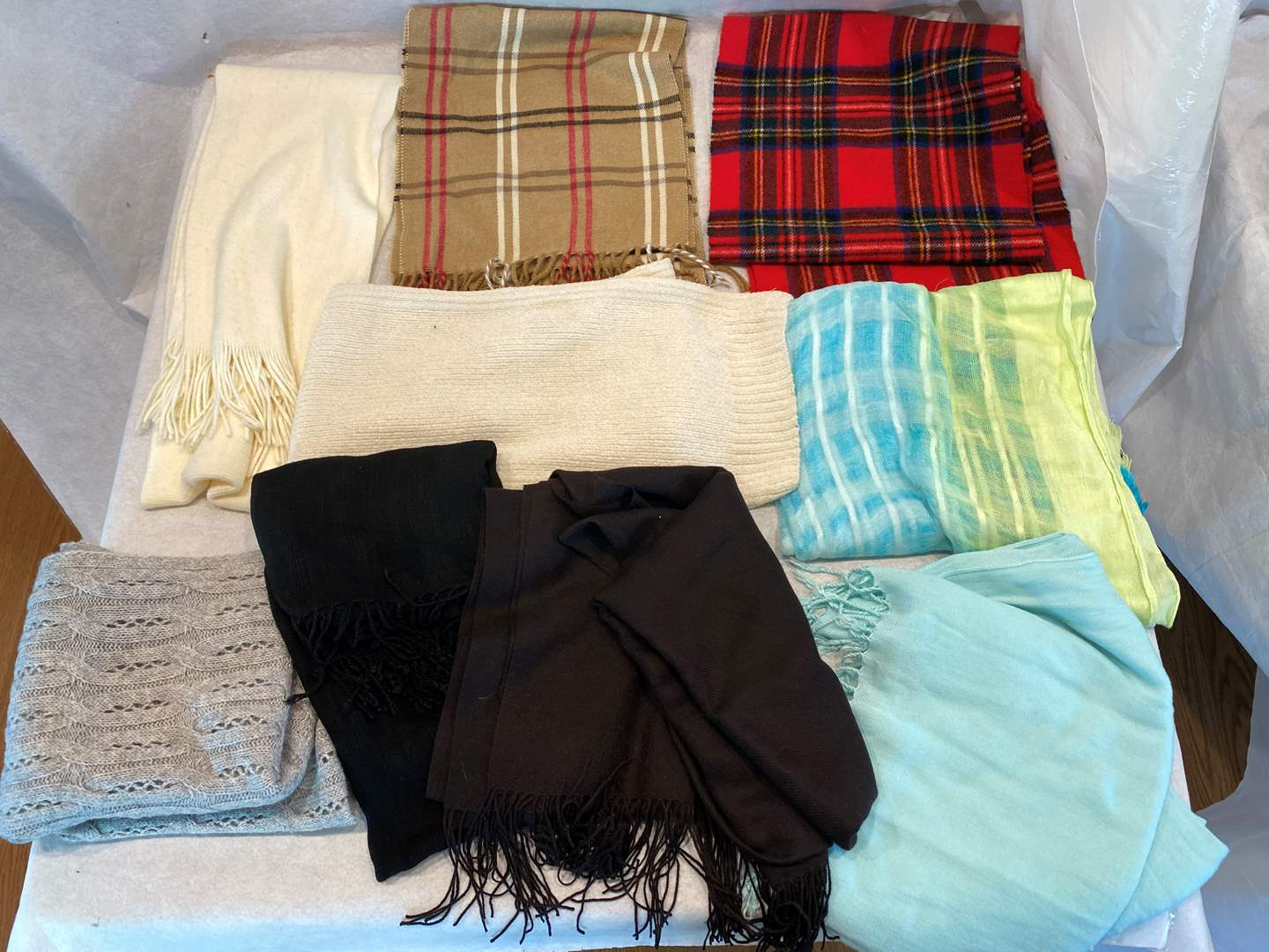 Lot # 188 Lot of Scarves (main image)