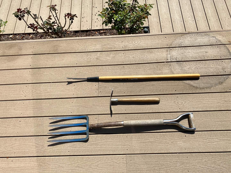 Lot # 334 Lot of Hand Tools (main image)