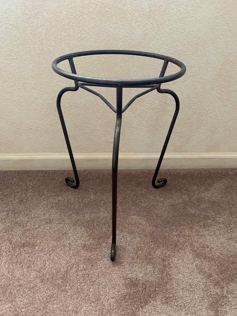 Lot # 21 Plant Stand (main image)