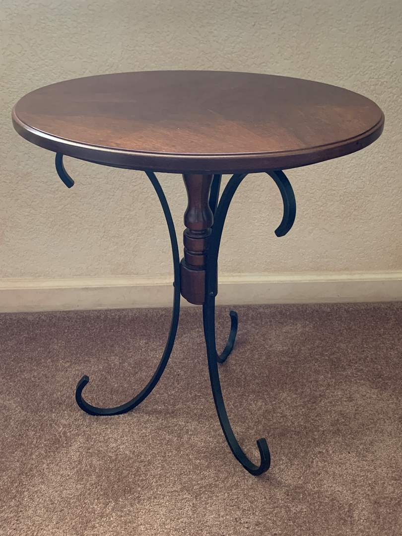 Lot # 16 Round Side Table (main image)