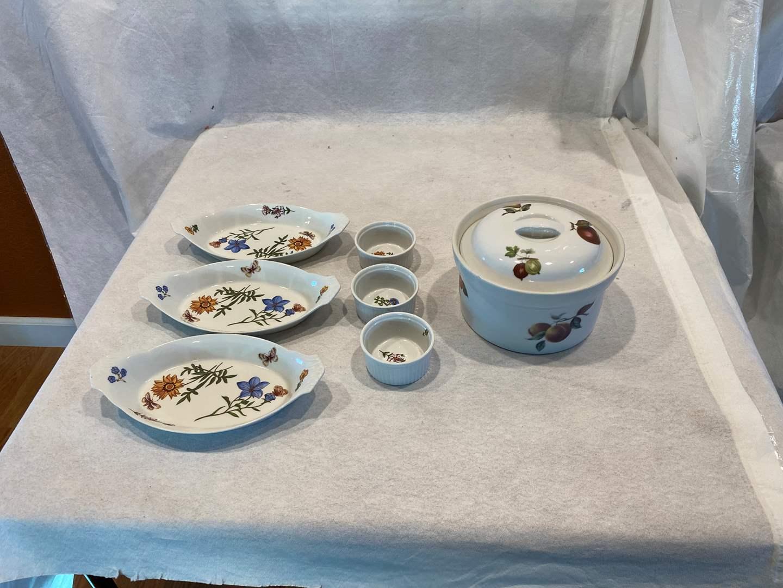 Lot # 84 Cordon Bleu Oval Au Gratin Dish, Chili Bowls, Casserole Bowl (main image)