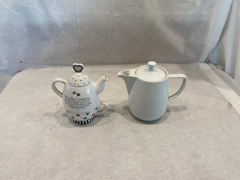 Lot # 80 Teapots (main image)