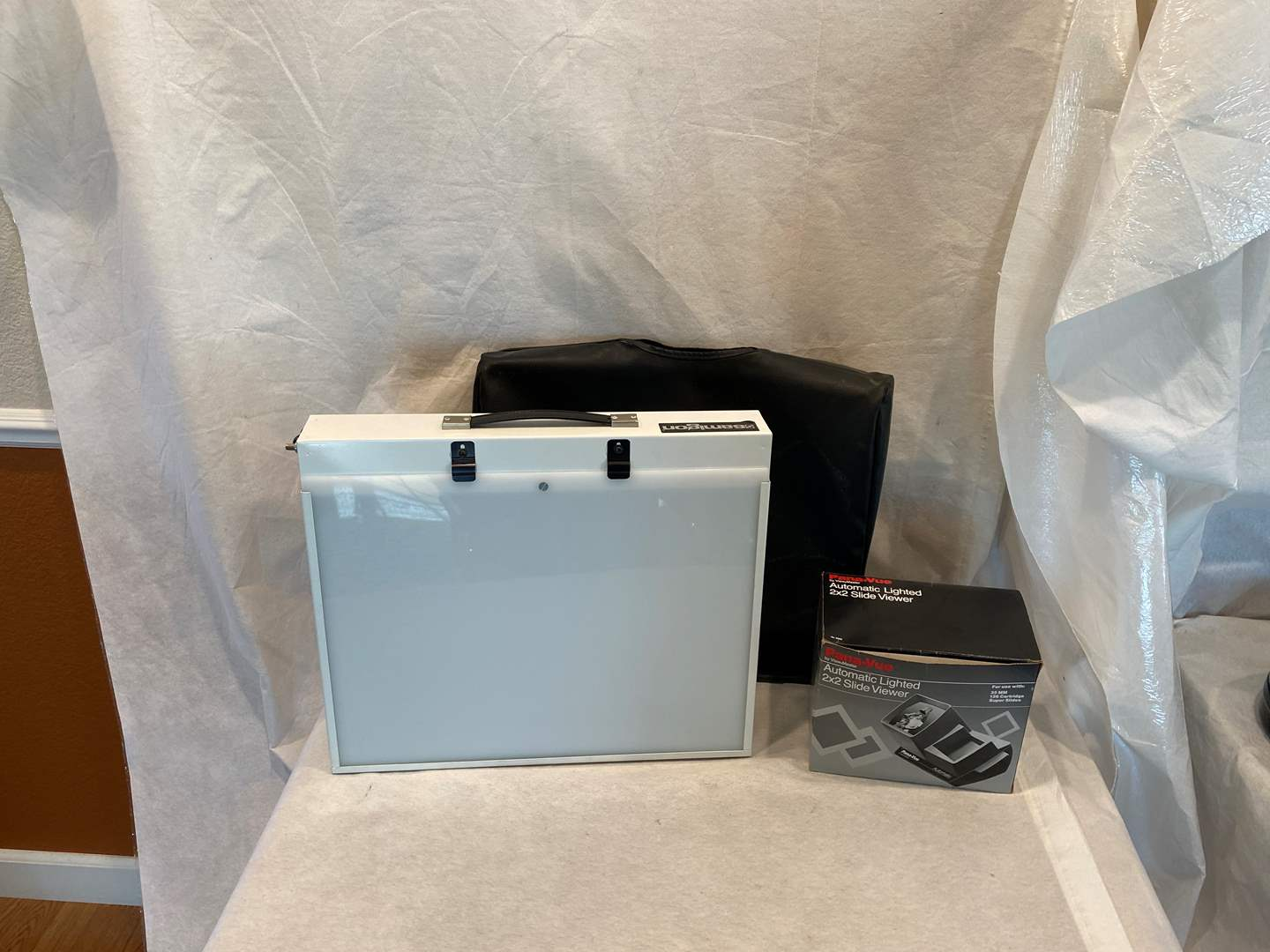 Lot # 106 Pana-Vue Automatic Lighted 2x2 Slide Viewer(Untested) and Samigon Light Box (Works) (main image)