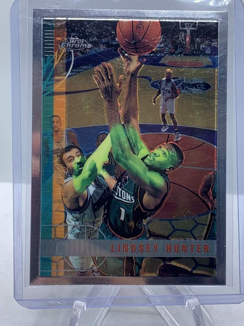 Lot # 72 1998 Topps Chrome NBA LINDSEY HUNTER (main image)