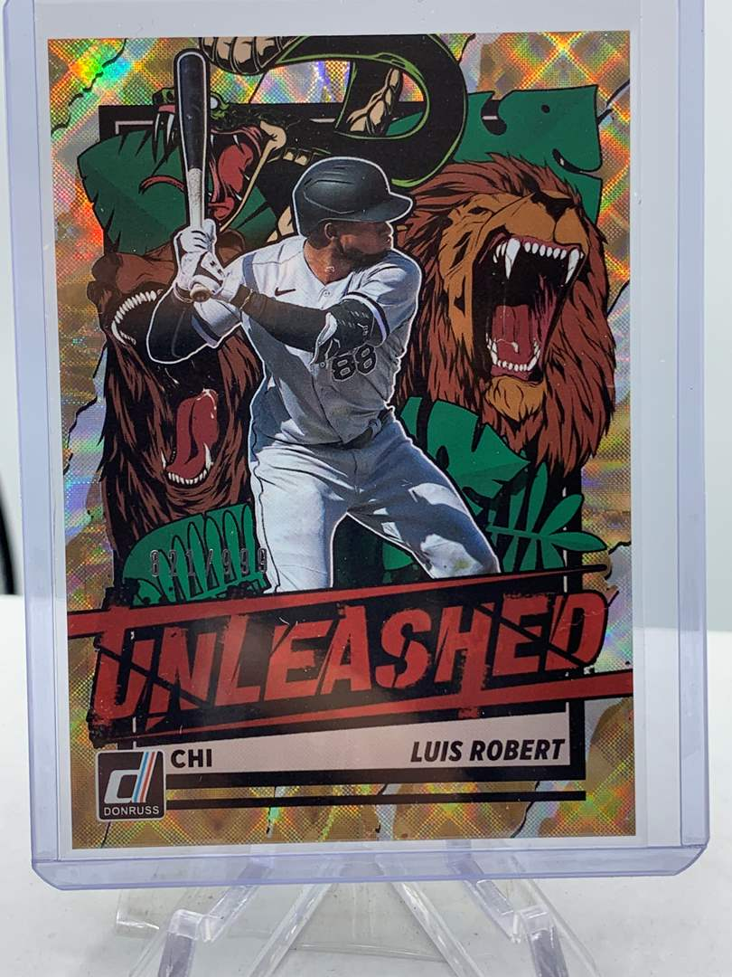 Lot # 174 2021 Panini Donruss Baseball LUIS ROBERT Unleashed #821/999 (main image)