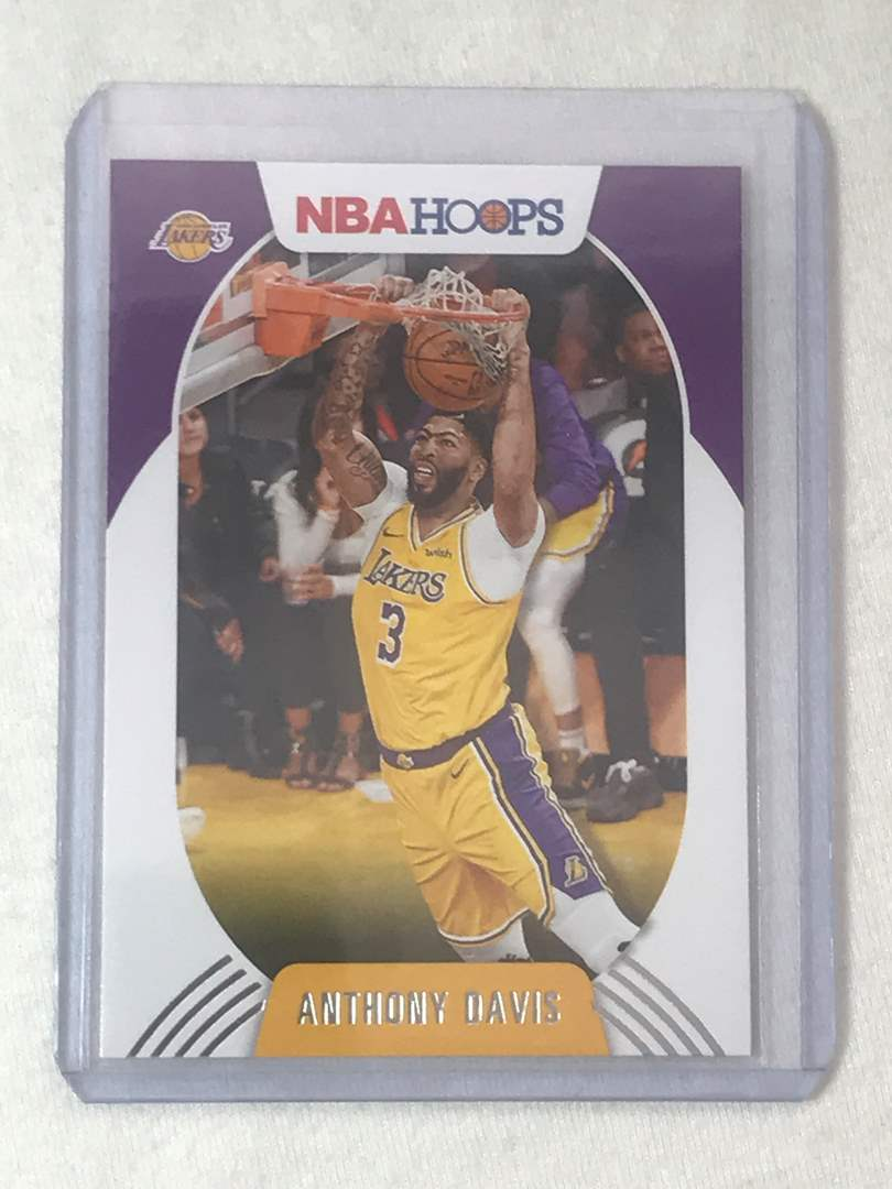 Lot # 16 2020-2021 Panini Hoops ANTHONY DAVIS (main image)