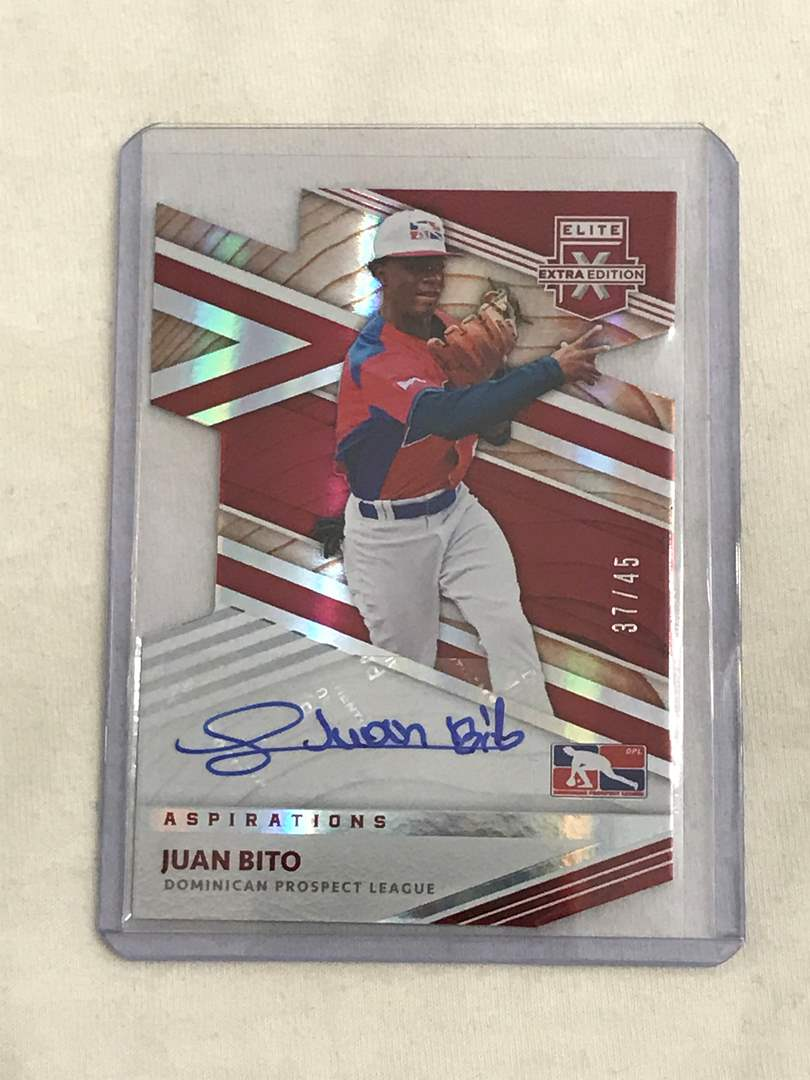 Lot # 73 2020 Panini Elite JUAN BITO AUTO 37/45 (main image)