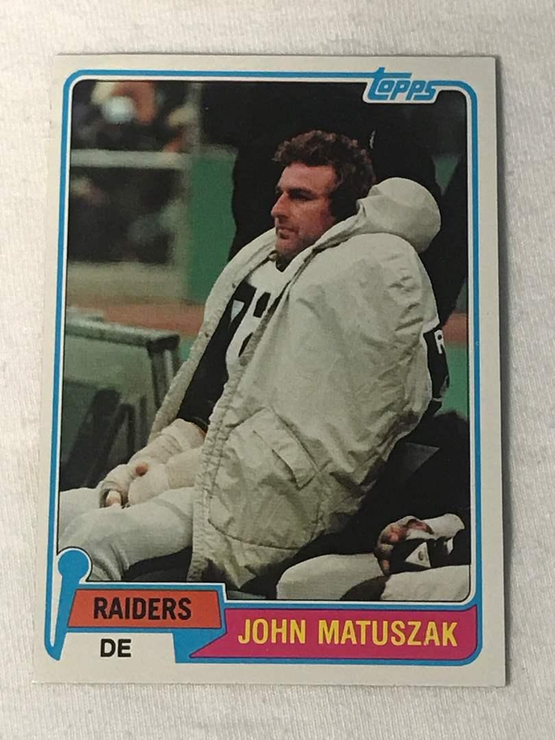 Lot # 151 1981 Topps JOHN MATUSZAK (main image)