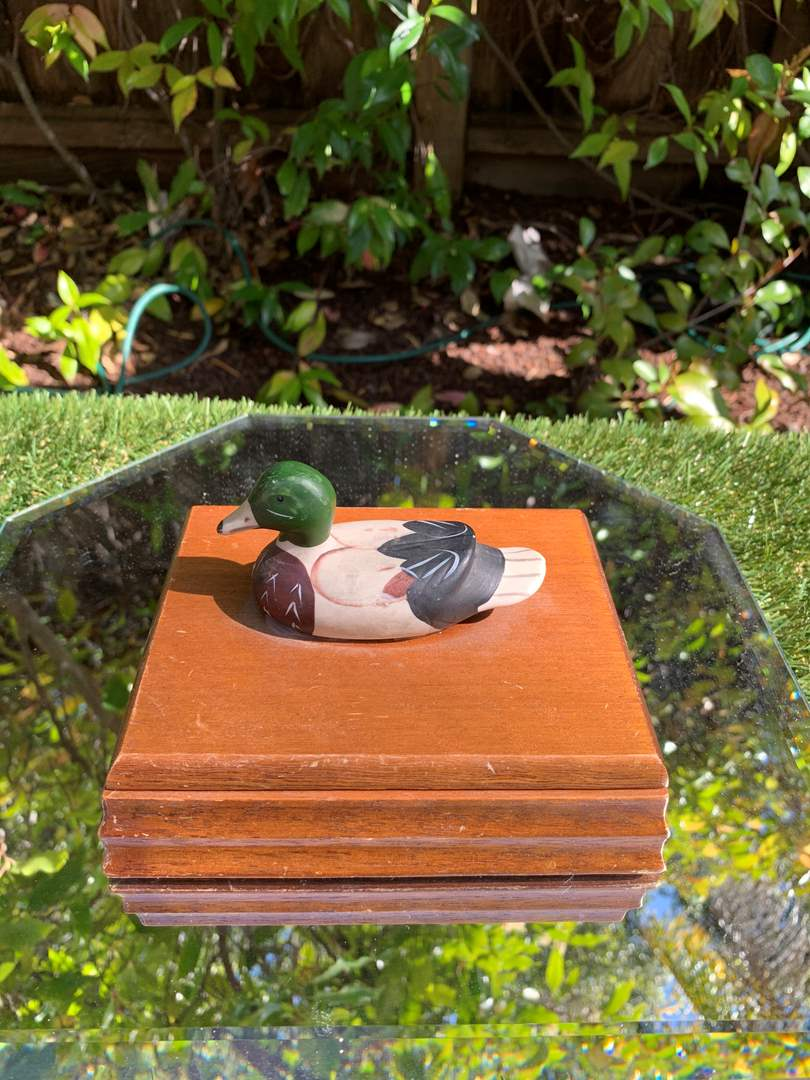 Lot # 15 - Vintage Wooden Duck Box with Two Decks of Duck Cards (main image)