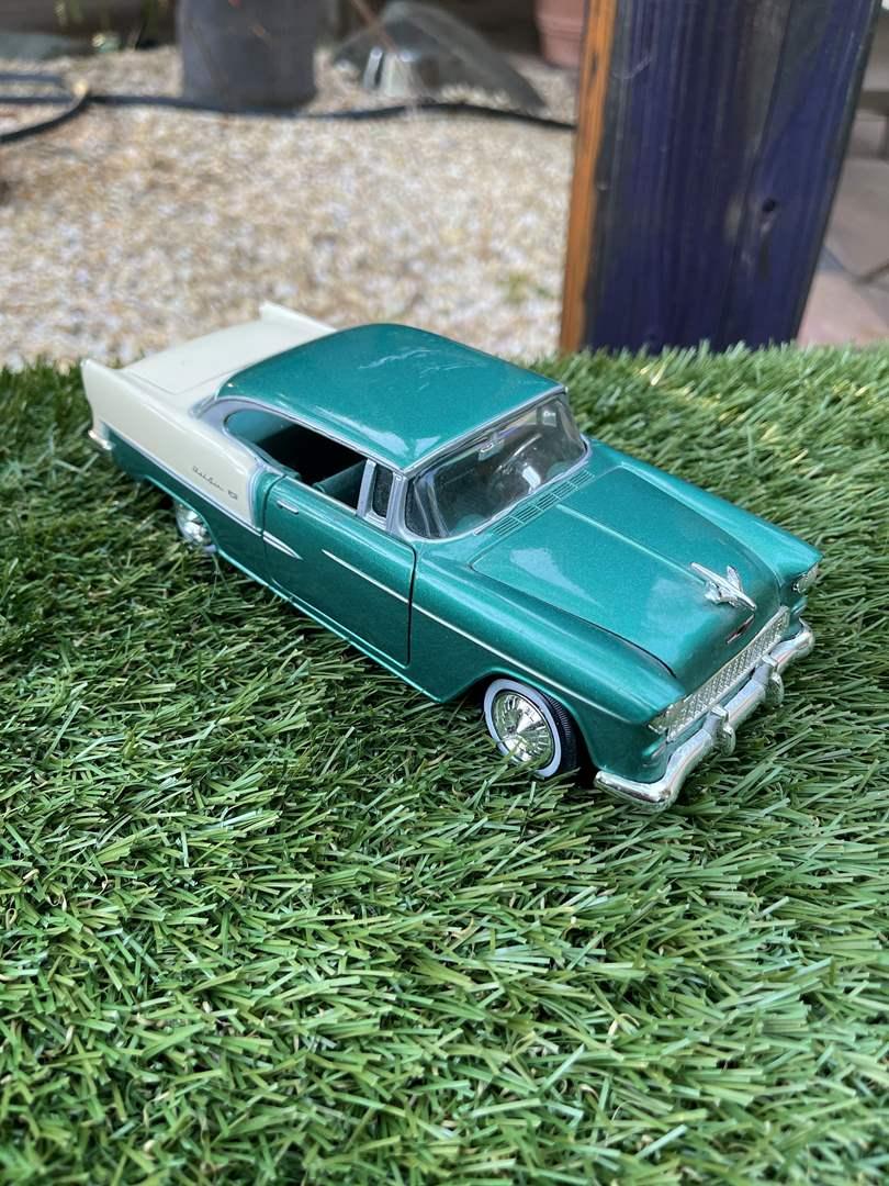 "Lot # 32 ""1955"" Chevy Bel Air Model Car No:68033 (main image)"