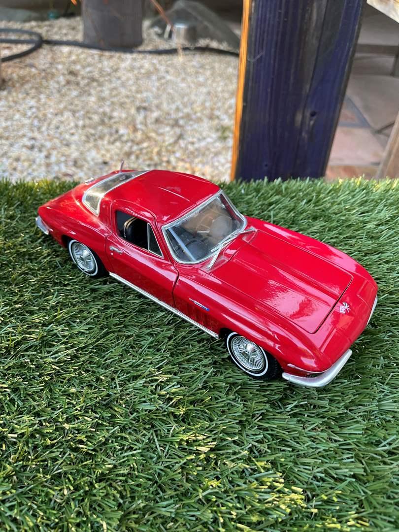 """Lot # 35 """"Maisto"""" 1965 Chevrolet Corvette Model Car (main image)"""