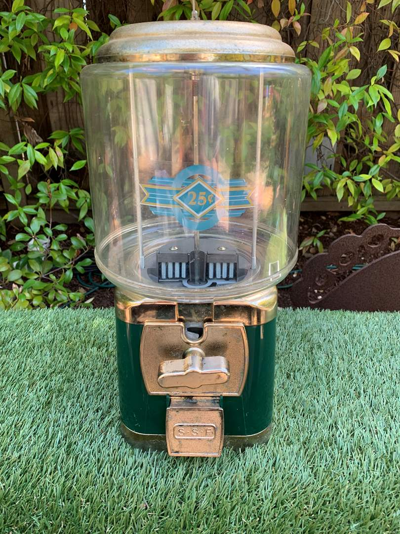 Lot # 65 Silent Salesforce SSF 25 Cents Gumball Candy Machine with Key (main image)