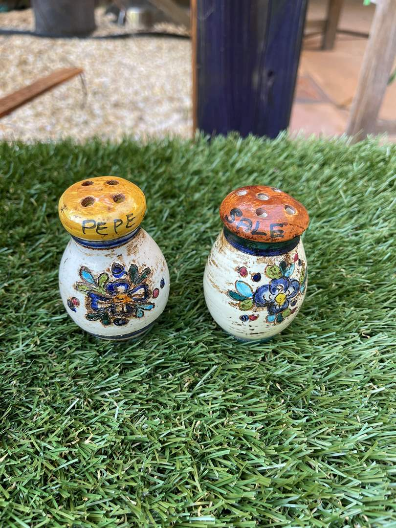 Lot # 137 Italian Pottery Salt and Pepper Shakers (main image)