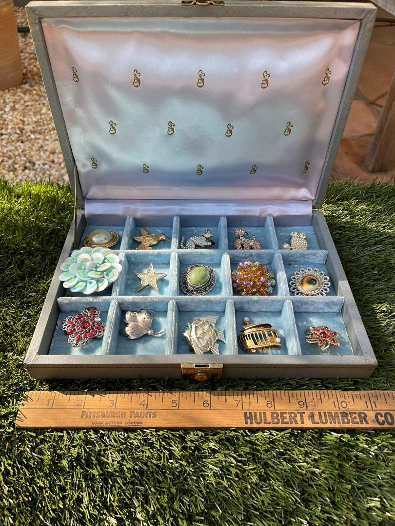 """Lot # 138 """"Brooches are Back!"""" Lot of Vintage Brooches in Blue Jewelry Box (main image)"""