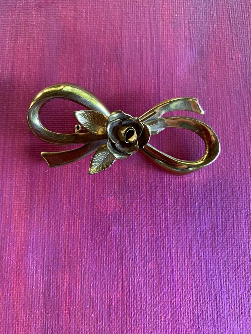 """Lot # 39 Vintage """"CORO"""" Ribbon & Rose Brooch Pin (main image)"""