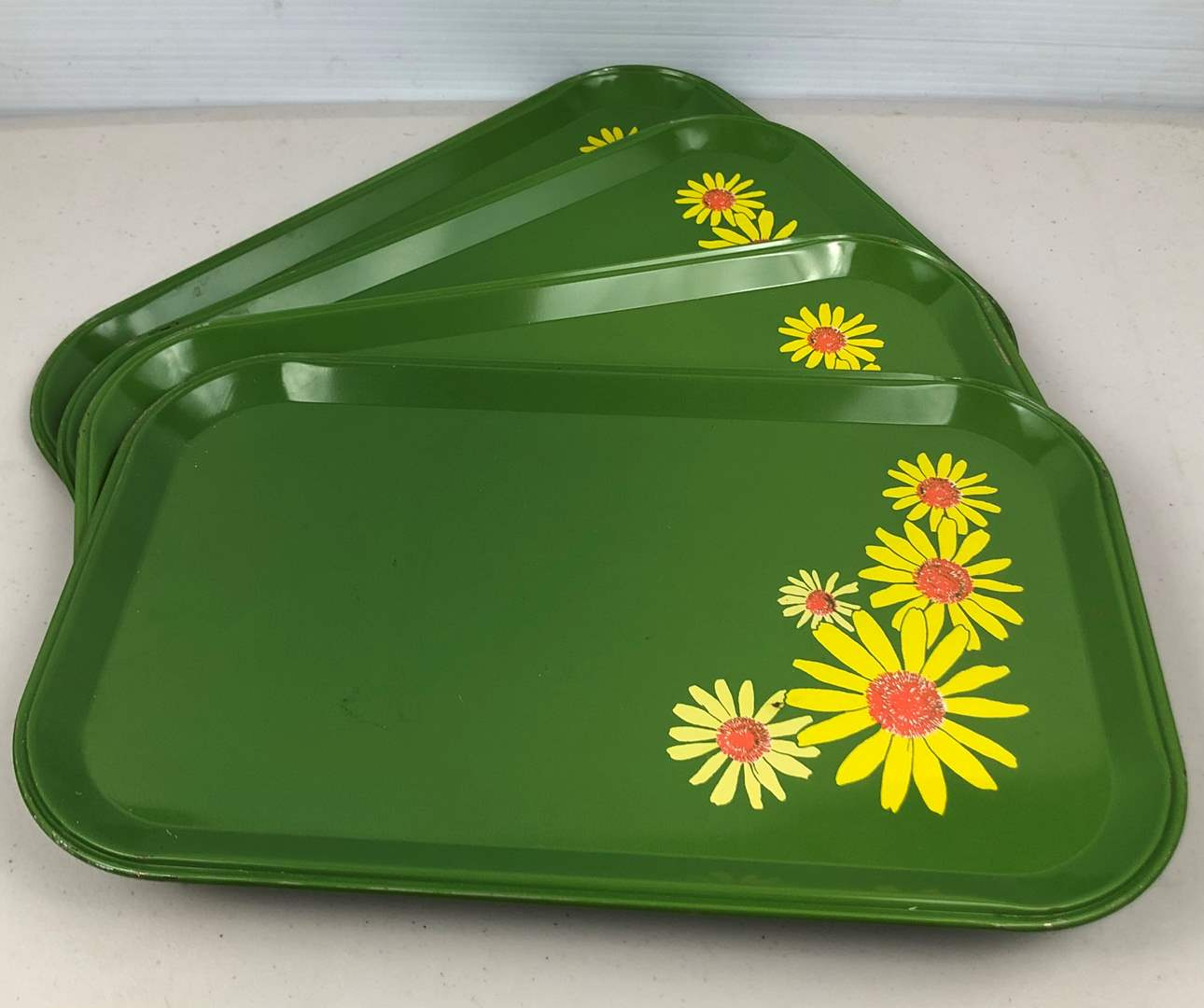 Lot # 212 Vintage Serving Trays (main image)