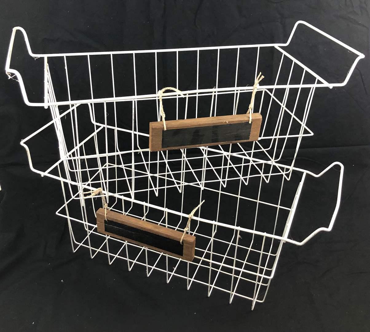 Lot # 231 Vintage Wire Baskets (main image)